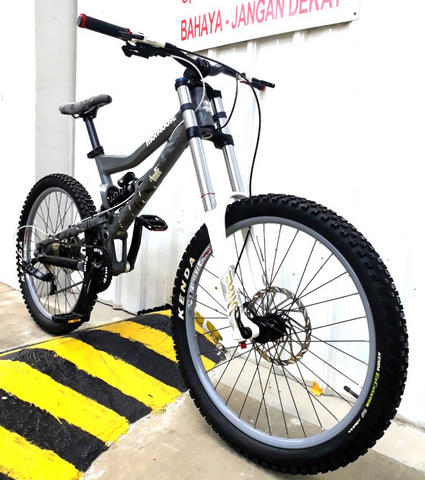 Mongoose Boot'r Full Suspension Mountain Bike