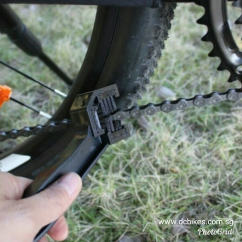 Bicycle Brush Chain Drivetrain Cleaner