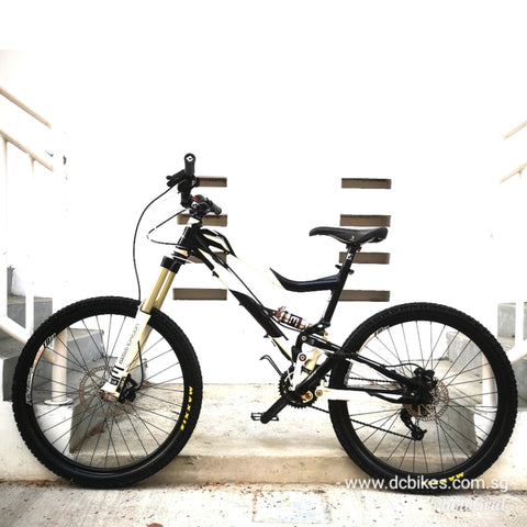 26er Mongoose Teocali Comp Full Air Suspension Mountain Bike