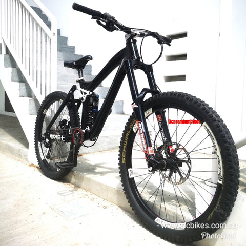 26er Polygon Collosus FR 2.0 Full Suspension Mountain Bike
