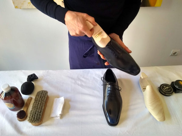 Shoe polishing tips adding shoe trees