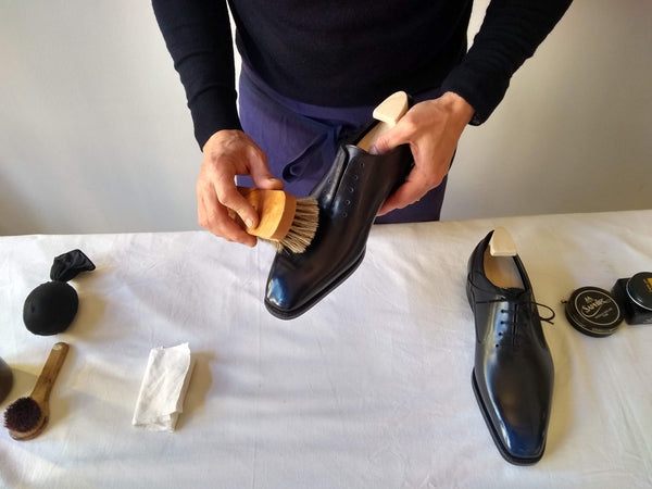 shoe polishing tips brushing and cleaning your shoe