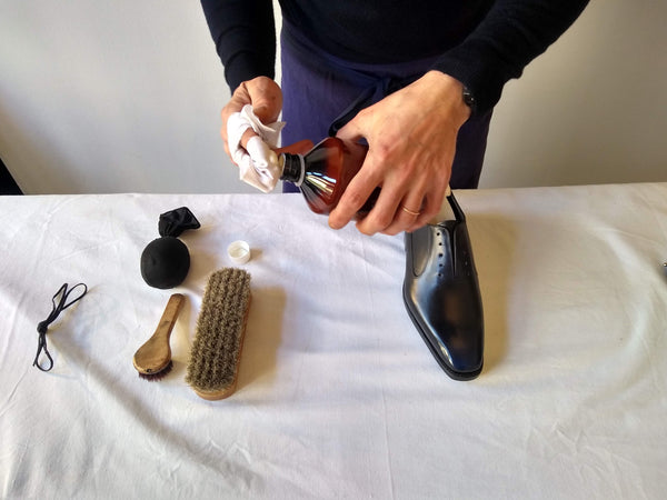 Shoe polishing tips applying shoe nourishing cream