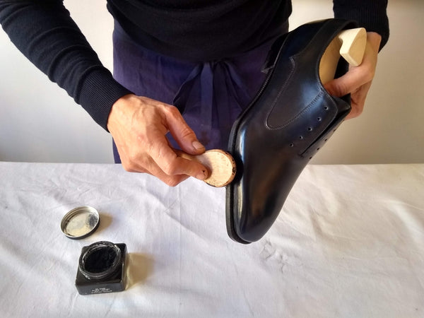 shoe polishing tips brushing welt