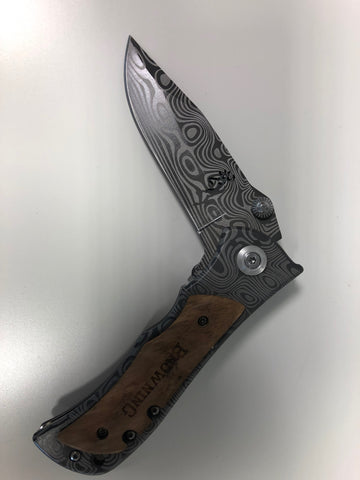 Damascus pattern Folding  EDC, you must be over 18 to purchase this item. 400C with Wood Handle, ideal for fishing, camping or hunting