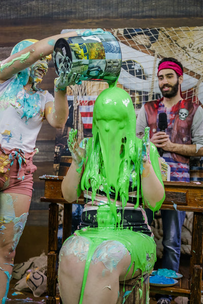 Giovanna and Alessandra and taking many pies in the face and slimed - Épic Program 08
