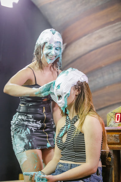 Brunette and blonde getting pied (Marih and Kauany) PART 01 - Program 10