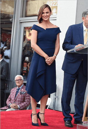 JENNIFER GARNER WEARS THE BARWICK DRESS