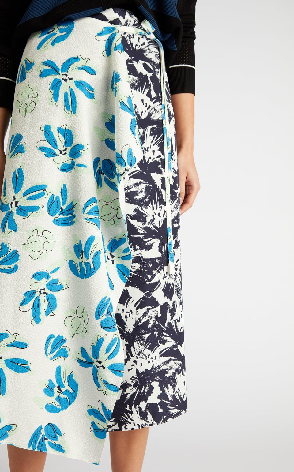 Beymer Skirt In Navy Painterly/Floral from Roland Mouret