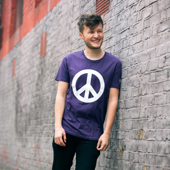 CND logo (peace symbol) T-shirt in plum