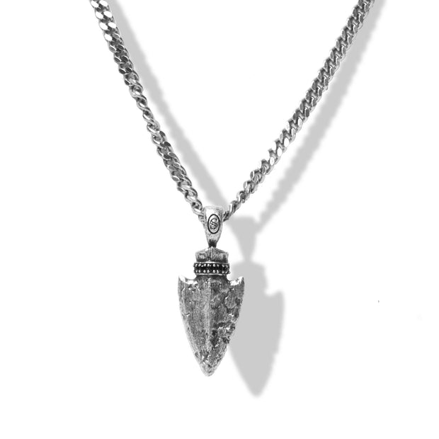 Arrow Pendant | Focus