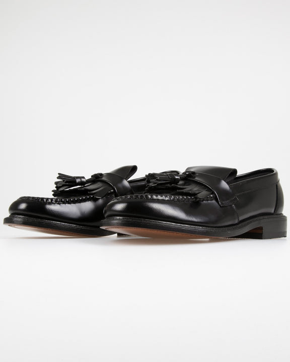 Loake Brighton Polished Tassel Loafer - Black Loake Shoemakers Shoes Loake Brighton Polished Tassel Loafer - Black - Jeans and Street Fashion from Jeanstore