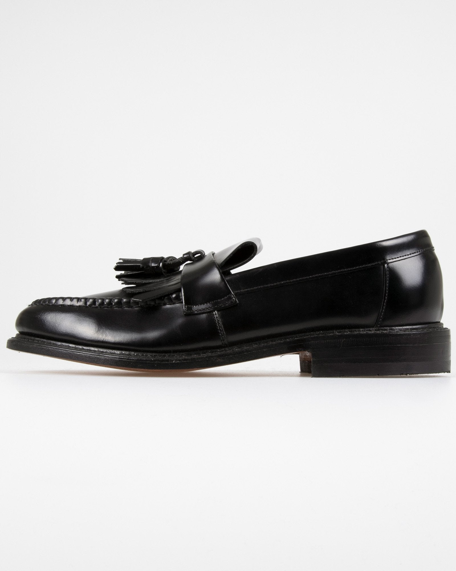 Loake Brighton Polished Tassel Loafer - Black UK 7 BRIB7 5050362046173 Loake Shoemakers Shoes Loake Brighton Polished Tassel Loafer - Black - Jeans and Street Fashion from Jeanstore