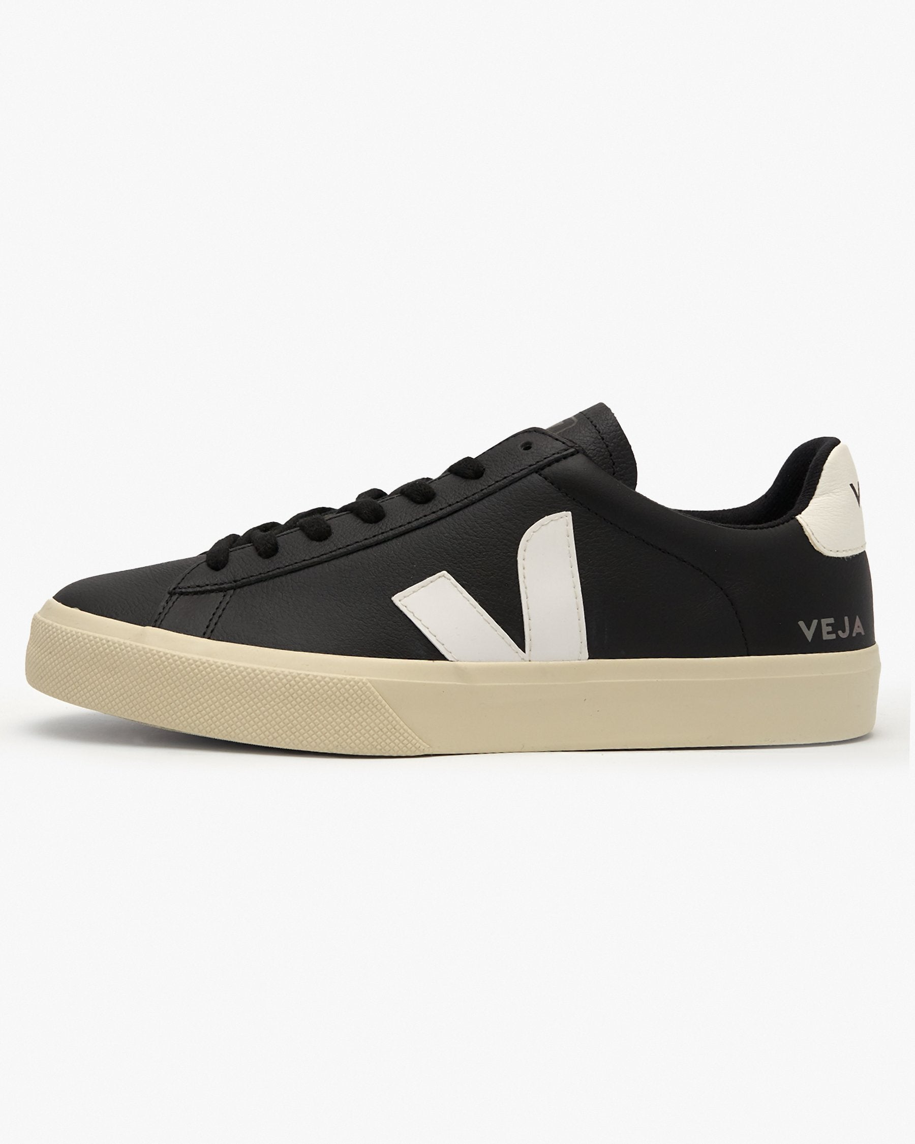 Veja Campo Chromefree Leather Sneakers - Black / White UK 7 CP051215B7 3611820005471 Veja Trainers