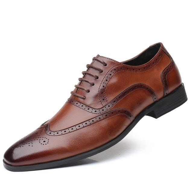 New High Quality Genuine Leather Men Brogues Shoes Lace-Up Bullock Business Dress Men Oxfords Shoes Male Formal Shoes
