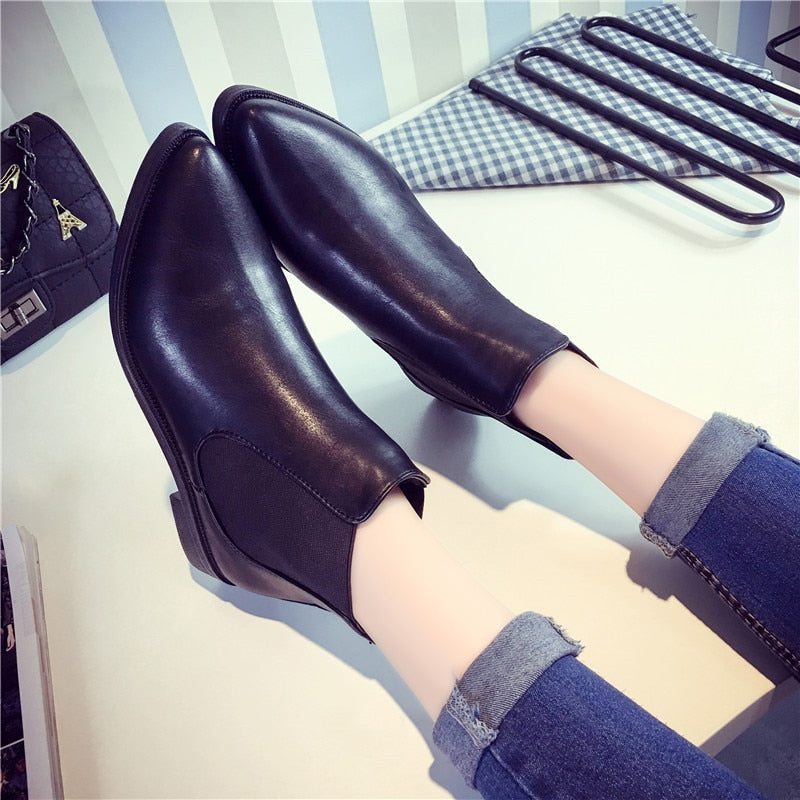 COOTELILI Women Ankle Boots Flat Heels Casual Shoes Woman Leather Boots For Girls Black pointed toe Chelsea Boots