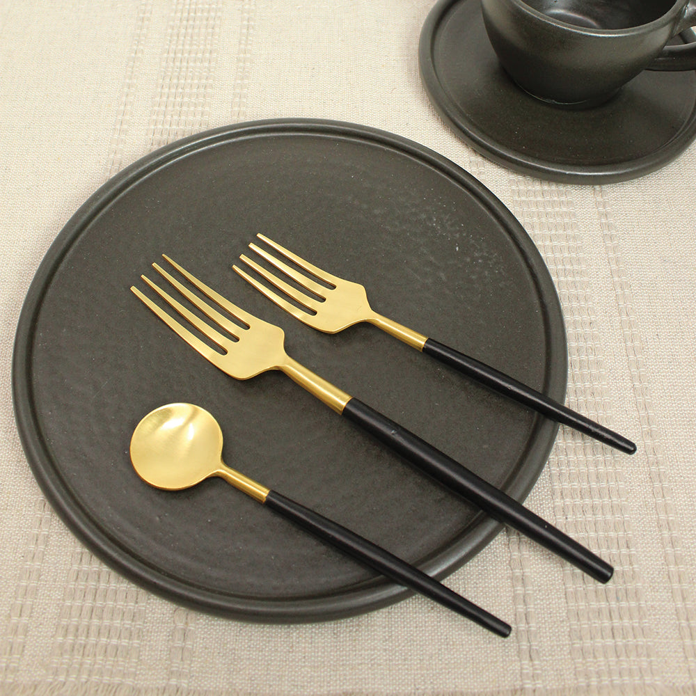 BLACK & GOLD FLATWARE SET OF 5