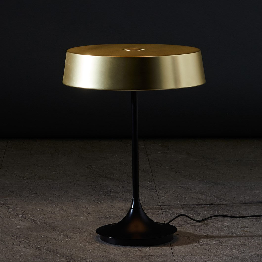 China LED Table Lamp - Brass+ Matte Black