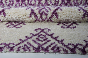 Oriental Motif Ivory Berry Shaggy Area Rug -