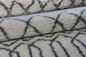 Shaggy Ivory Grey Vancouver Area Rug -