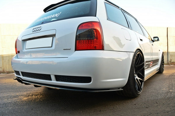 REAR SPLITTER AUDI RS4 B5 (with a vertical bar)