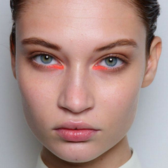 Festival Makeup Trend 4 Fresh but fun - orange inner eye highlight