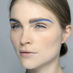Festival Makeup Trend 4 Fresh but fun - blue brow highlight