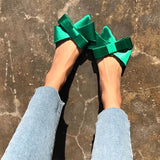 Pretty Little Bows | Slides