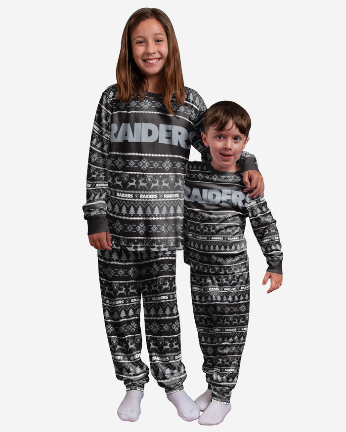 Las Vegas Raiders Youth Family Holiday Pajamas FOCO 4 - FOCO.com