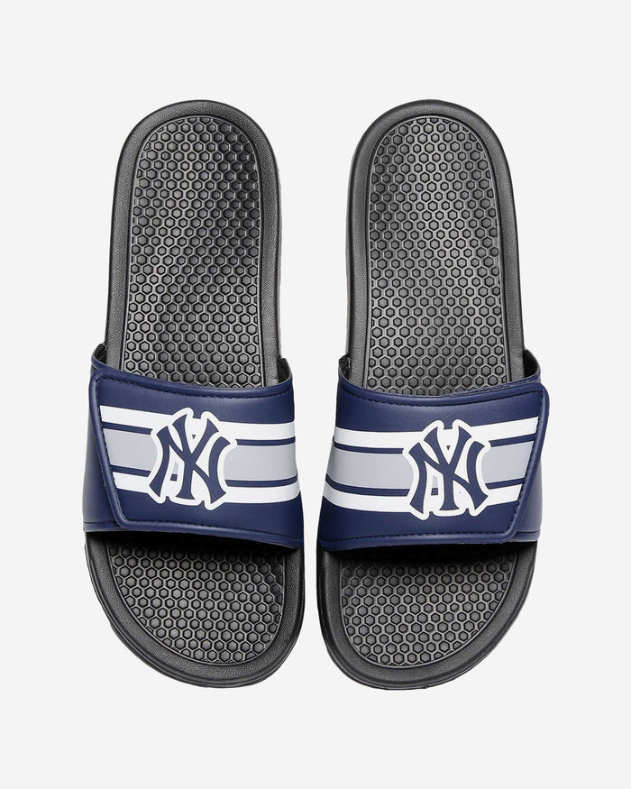 New York Yankees Stripe Legacy Sport Slide FOCO - FOCO.com