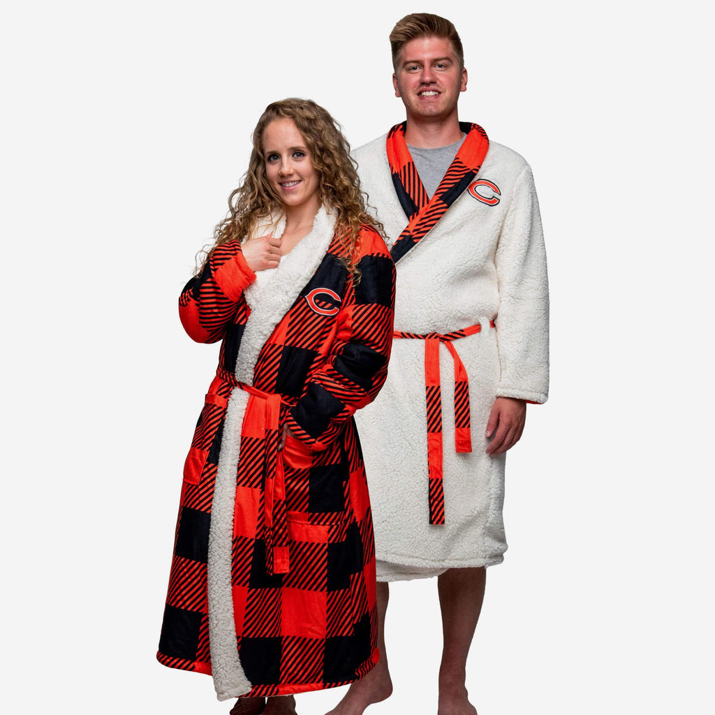 Chicago Bears Lounge Life Reversible Robe FOCO S/M - FOCO.com
