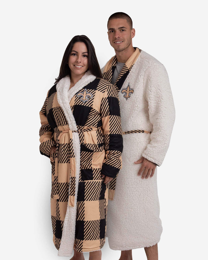 New Orleans Saints Lounge Life Reversible Robe FOCO S/M - FOCO.com