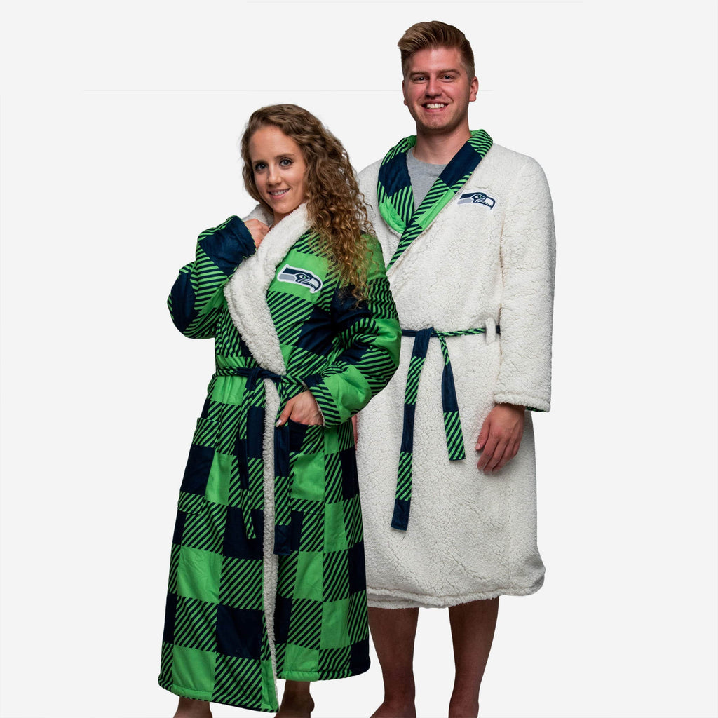 Seattle Seahawks Lounge Life Reversible Robe FOCO S/M - FOCO.com