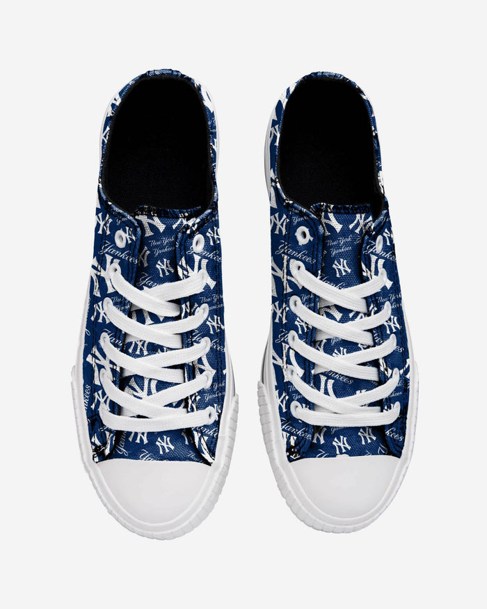 New York Yankees Womens Low Top Repeat Print Canvas Shoe FOCO - FOCO.com