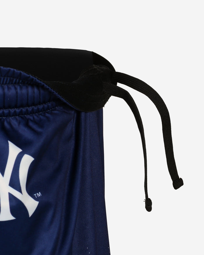 New York Yankees Gradient Polyester Short FOCO - FOCO.com