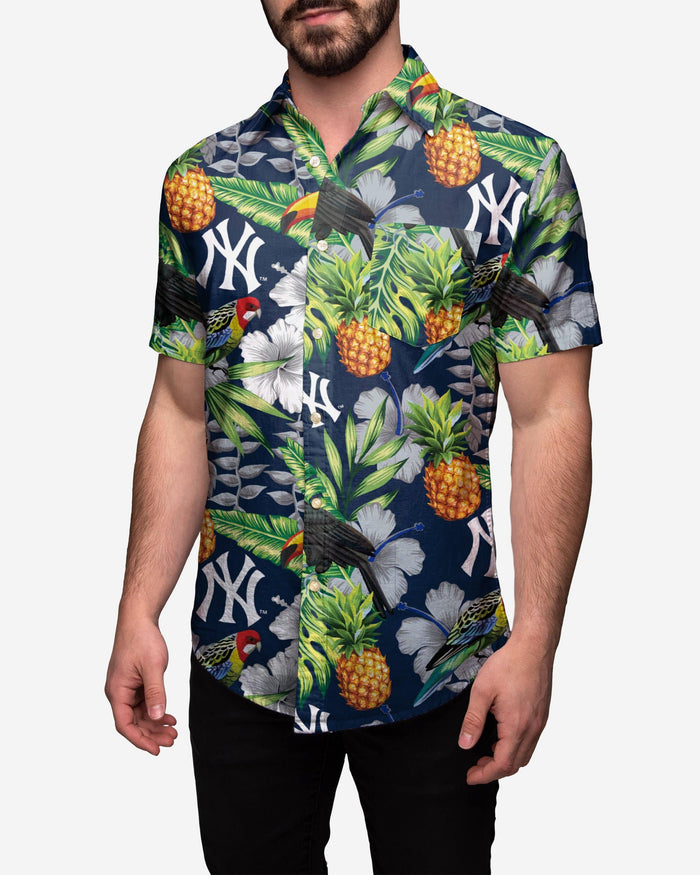 New York Yankees Floral Button Up Shirt FOCO 2XL - FOCO.com