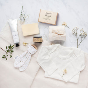Alice & Peg New Beginnings Box - Luxury Ecofriendly Vegan New Mum & Baby Pamper Gift Set - Featuring organic cotton baby grow, bamboo muslin square, handmade natural unscented soap bar, bump balm, wooden teether ring and natural handcream.