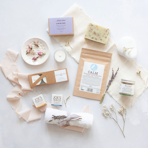 Alice & Peg Calm Box - Vegan ecofriendly Pamper Gift Box - Featuring a Soothing Clay Face Mask, Natural Handmade Soap,  Calm Bath Salts, Set of Natural Plant Wax Tealights, Bamboo Face Cloth and Set of Calming Organic Teas