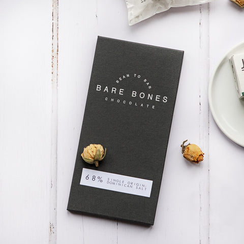 Alice & Peg Hygge Box - Vegan luxury candles and chocolate gift set. Featuring a handmade 68% single origin dominican salt dark chocolate bar, by Bare Bones Chocolate.