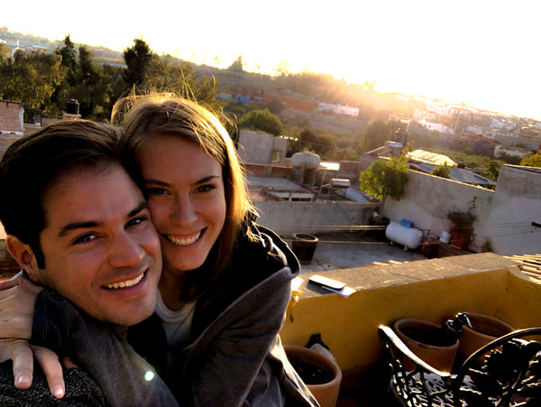 LOKATE_Travel_podcast_adventure_Travel_couple_4