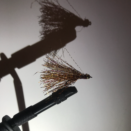 Golden Bead Streamer - by Erik