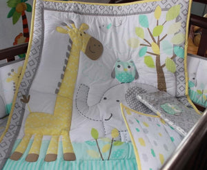 DreamCots 8 Pieces Bedding Set – Yellow Giraffe