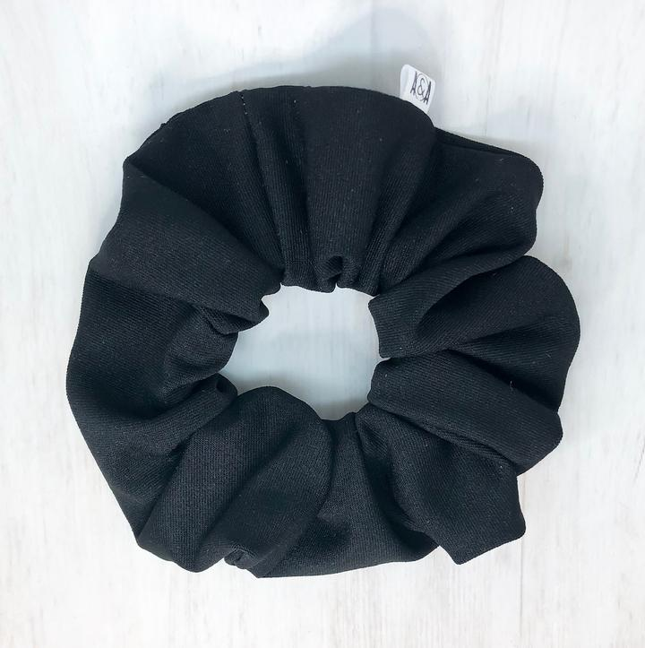 HOT YOGA Scrunchie