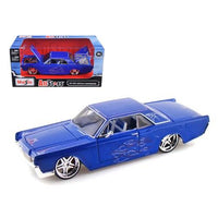 "1966 Lincoln Continental Blue ""Pro Rodz"" 1/26 Diecast Model Car by Maisto"