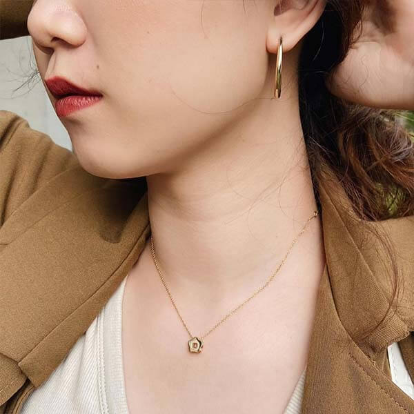 Ana Luisa Jewelry Necklace Pendant Necklace Flower necklace Felicia Necklace Gold