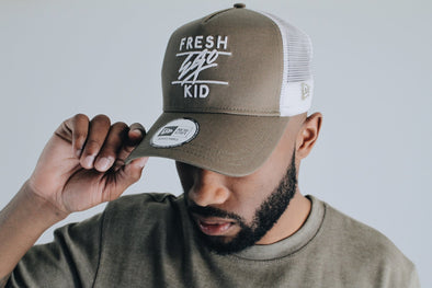 New Era Mesh Trucker – Khaki/White