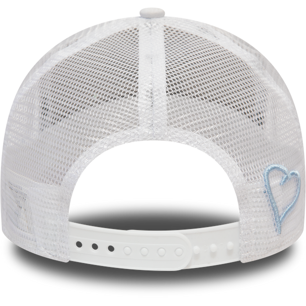 New Era Mesh Trucker in White