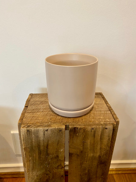 Small Oslo Planter Parchment Pot