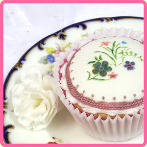 CD - An idea using the Victorian Garden 2 Topper Mold product