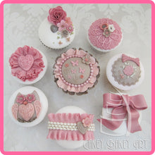 CD - An idea using the Victorian Garden 1 Topper Mold product